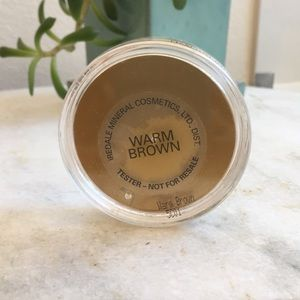 jane iredale Makeup - Warm brown powder from Jane Iredale.
